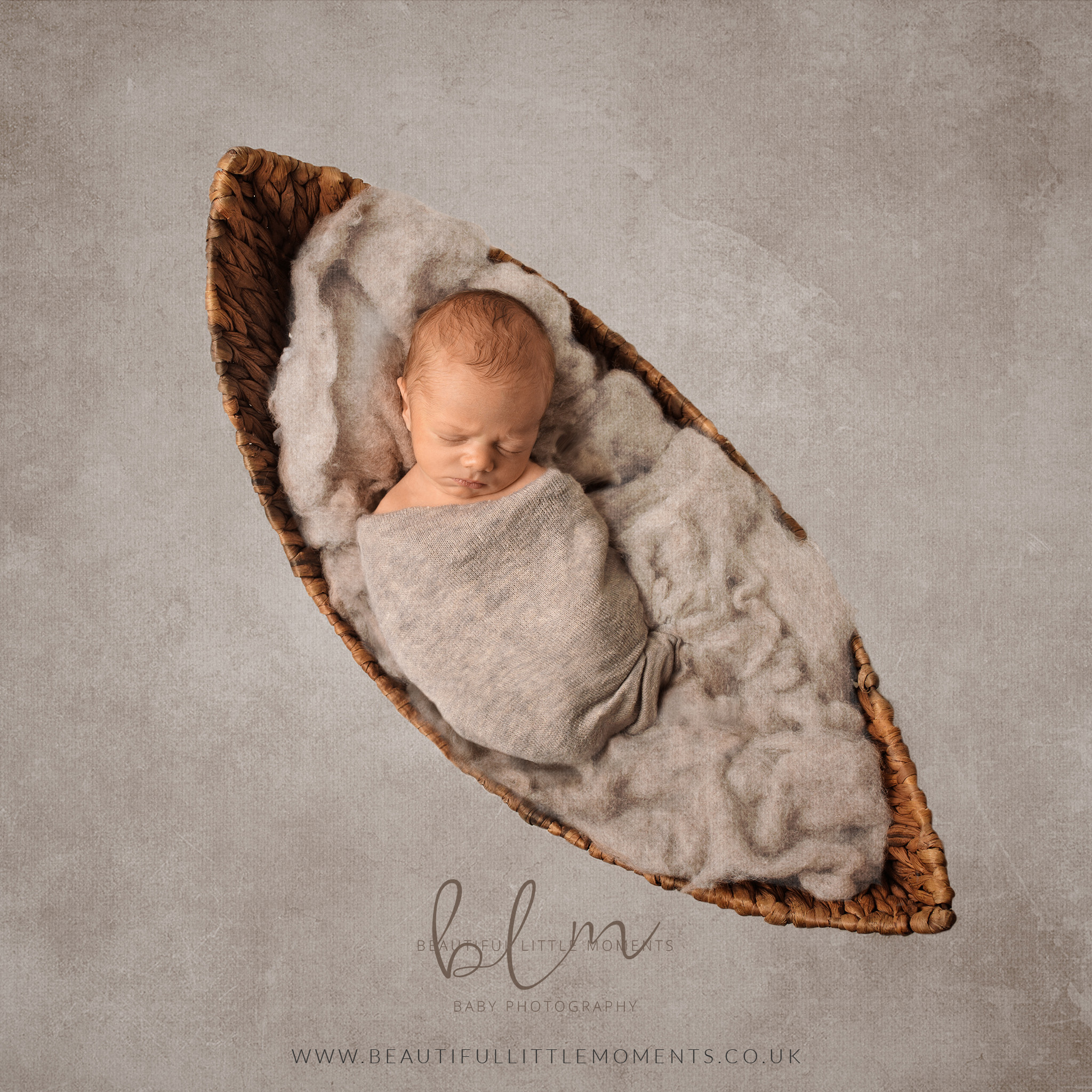 newborn-baby-photo-nest-basket-moon-boat-epsom-surrey