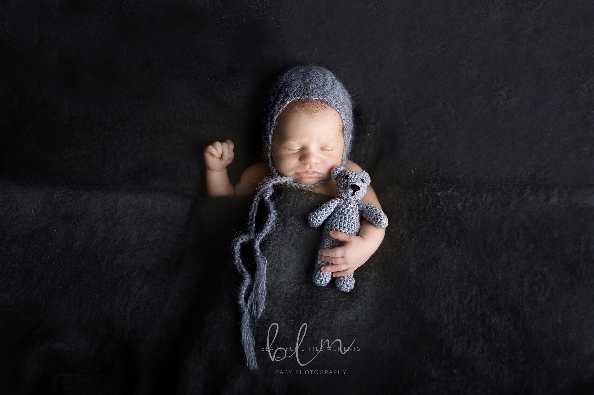 newborn-boy-with-grey-bear-beautifullittlemoments-web